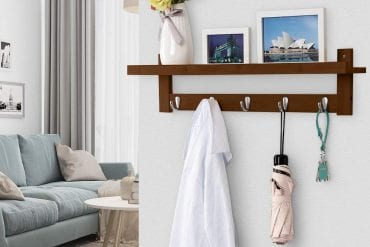Wall-mounted coat rack